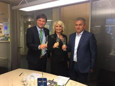 Vznikla další partnerská pobočka Next Reality, a to poprvé ve Zlíně! Smlouvu podepsala paní Pavla Jahodová,  která se tak stala hrdou vedoucí pobočky