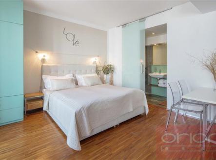 .   Pronájem bytu, garsoniéra, 30 m²