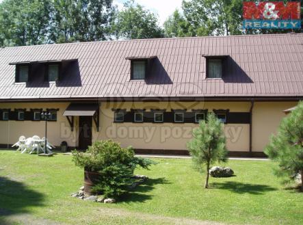 Pohled ze zahrady | Prodej - hotel, 1240 m²
