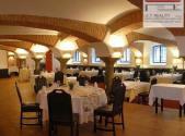 Pronájem - restaurace, 467 m²