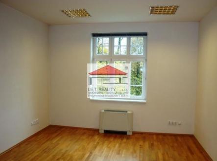1 | Pronájem - kanceláře, 320 m²
