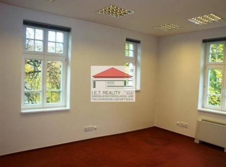 4 | Pronájem - kanceláře, 320 m²