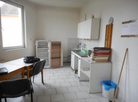 DSCN3595 | Prodej - kanceláře, 942 m²