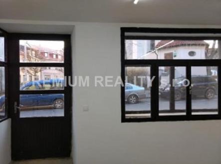 . | Pronájem - obchodní prostor, 183 m²