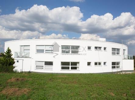 foto: 1 | Pronájem - kanceláře, 580 m²