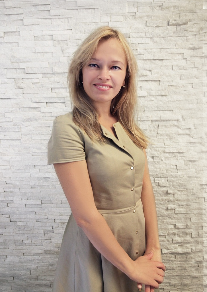 MUDr. Julia Burová