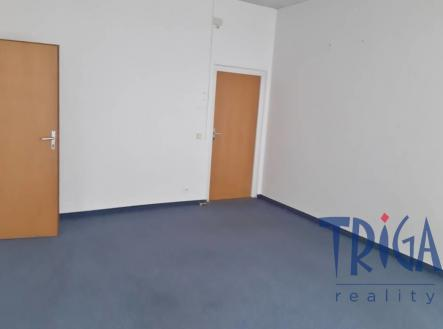 Pronájem - kanceláře, 260 m²