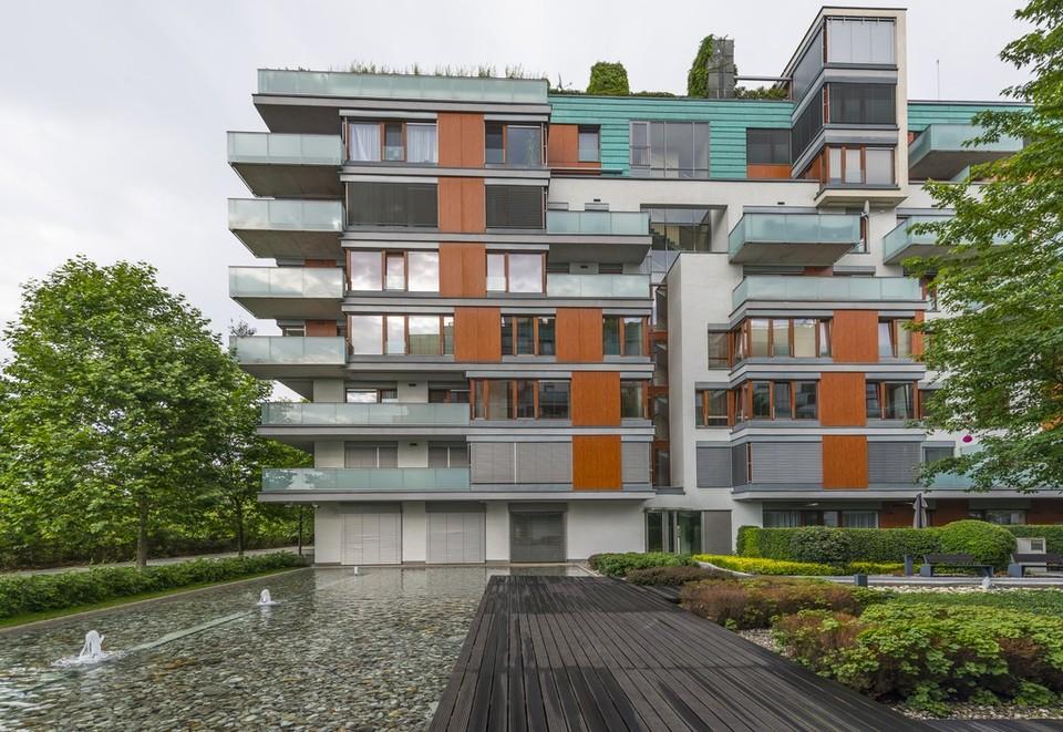 Prodané. Slunný byt 3+kk jako sídlo společnosti (157 m2), RIVER DIAMOND, terasa, dvě parkovací místa