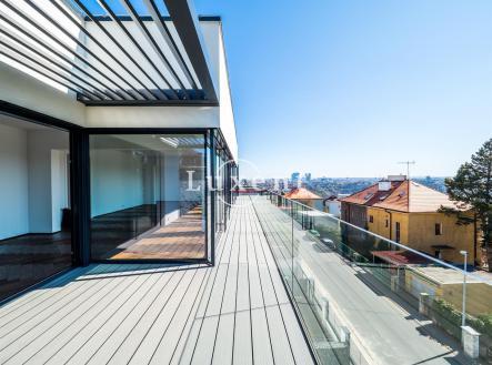 prostorná terasa   Prodej bytů v novém rezidenčním projektu Viladům Děvín, Praha 5 - Smíchov