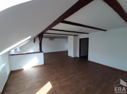 . | Pronájem - kanceláře, 84 m²