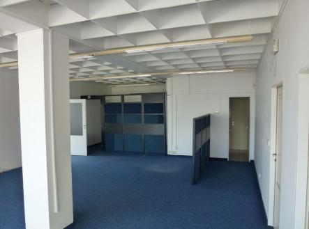 Pronájem - obchodní prostor, 413 m²