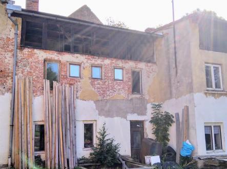 . | Prodej - zemědělský objekt, 1172 m²