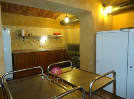2 | Prodej - obchodní prostor, 325 m²
