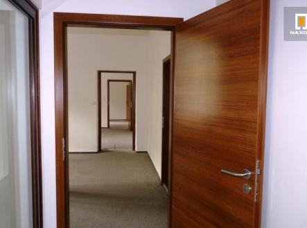 Pronájem - kanceláře, 100 m²