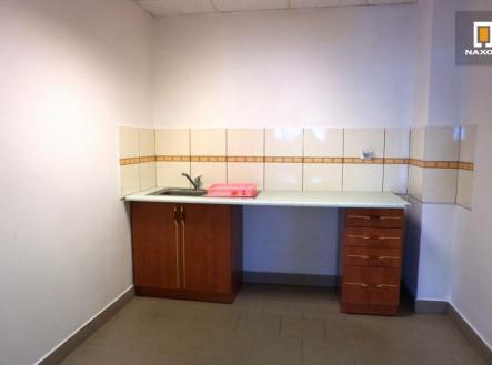 Pronájem - kanceláře, 70 m²