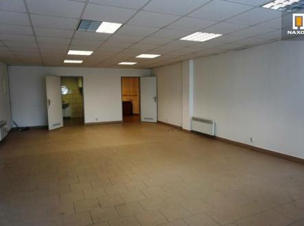 Pronájem - obchodní prostor, 70 m²