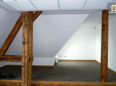 Pronájem - kanceláře, 142 m²