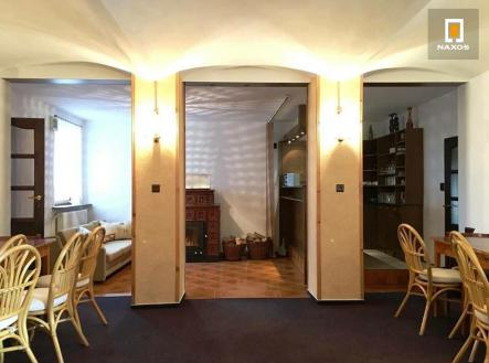 Pronájem - skladovací prostor, 166 m²