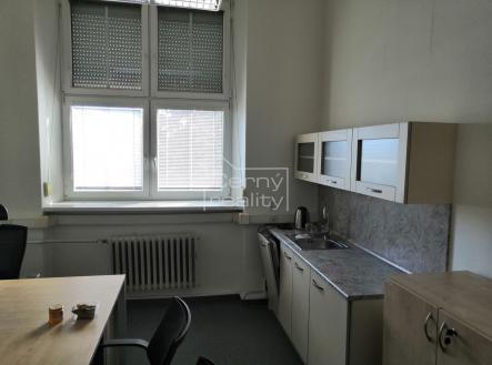 Fotka 2 | Pronájem - kanceláře, 220 m²