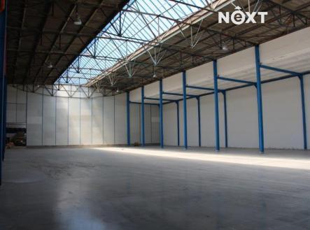 Pronájem - komerční objekt, sklad, 2600 m²