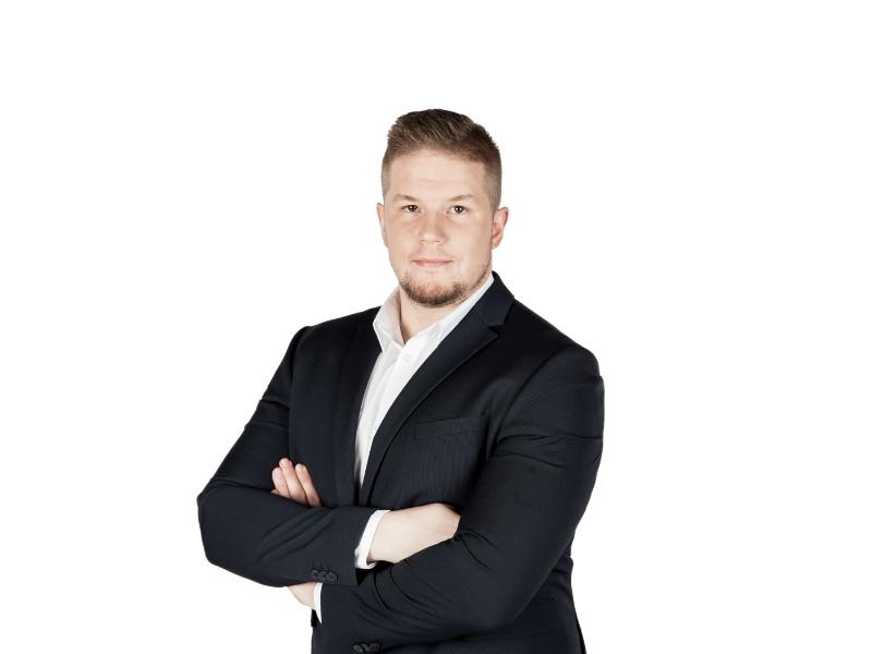 Petr Bezouška (Klientská linka)