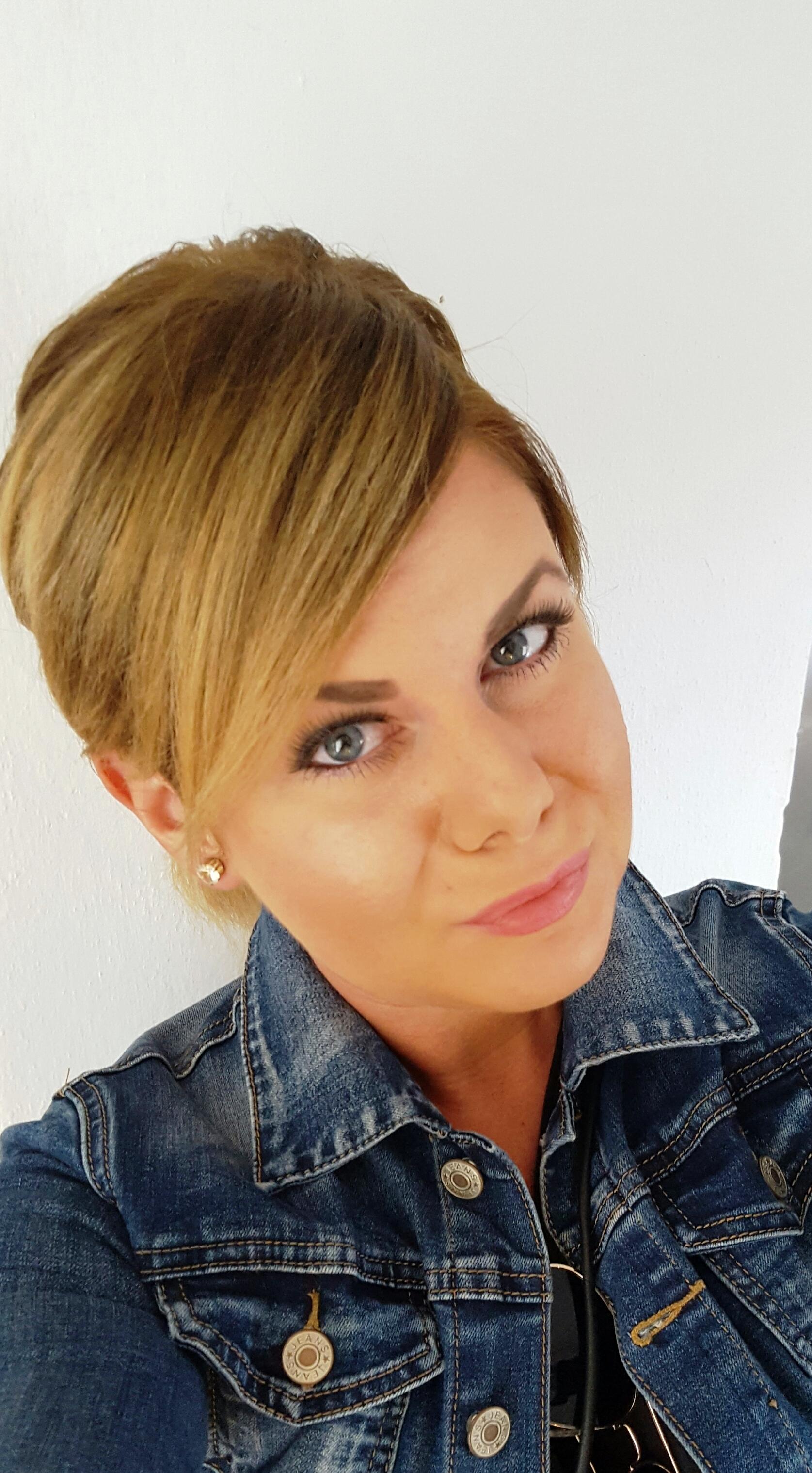 Lucie  Adamová